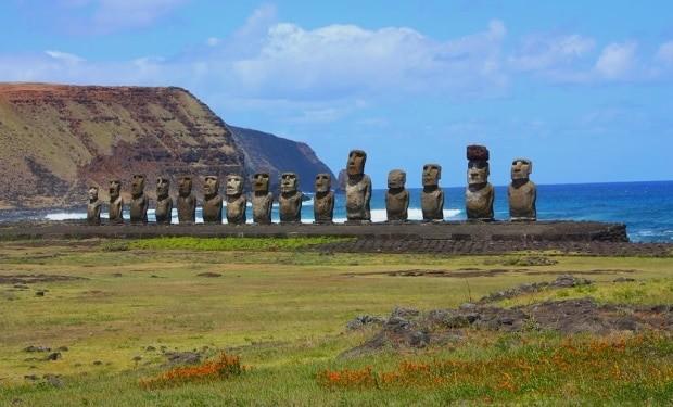 O Ahu Tongariki, uma série com 15 Moai na Ilha de Páscoa | foto - Arian Zwegers