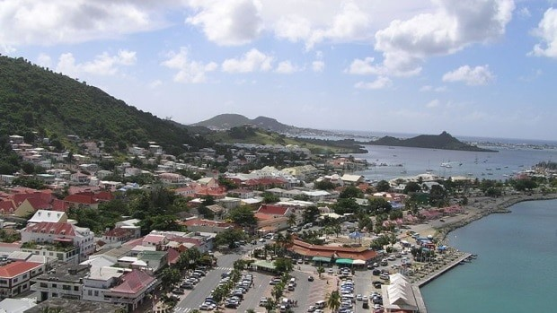 Marigot, a capital do lado francês, tem cerca de 5.000 habitantes