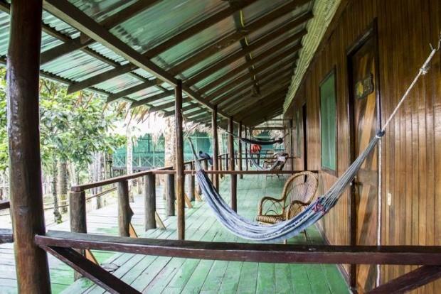 Rústico, o Amazon Tupana Lodge oferece vários passeios e está integrado à natureza | foto: Divulgação