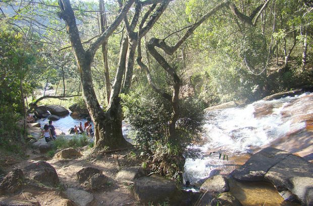 Cachoeira em Bom Jesus dos Perdões | foto - Andre Kenji