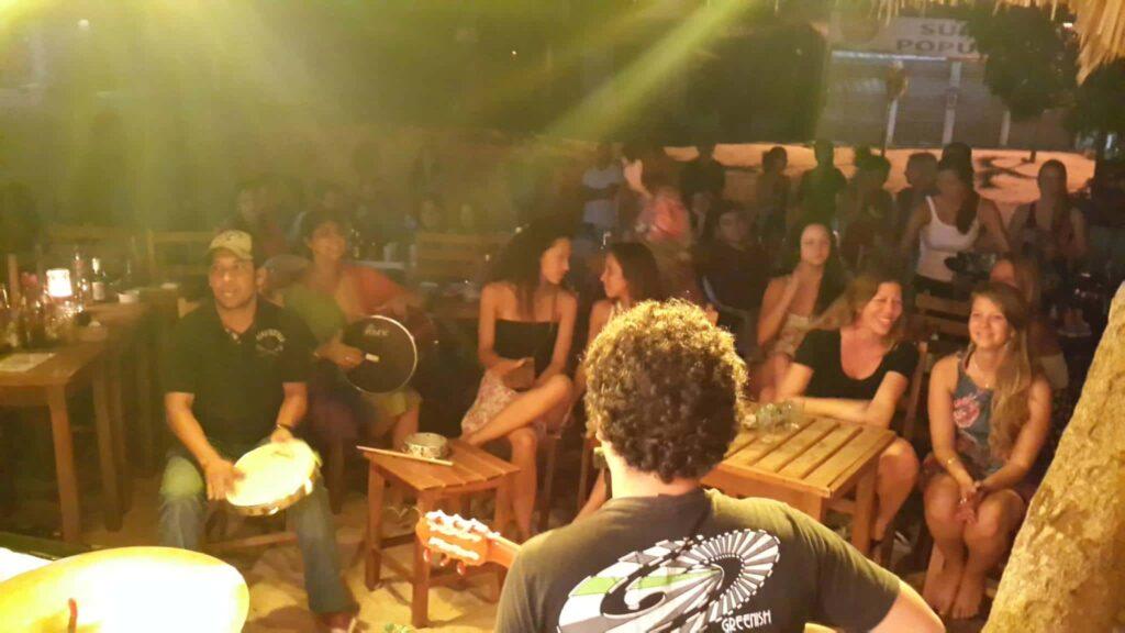 No acolhedor Tortuga, a música boa é acompanhada de ótimos drinks e serviço simpático