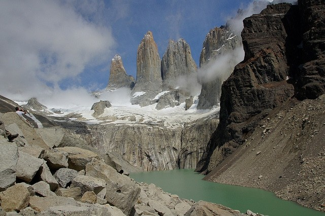 O Parque Nacional das Torres del Paine guarda cenários incríveis - foto: Neil Wikie