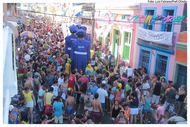 As ruas históricas de Olinda ficam lotadas no Carnaval