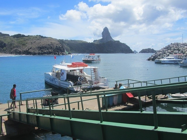 embarcacao-porto-noronha