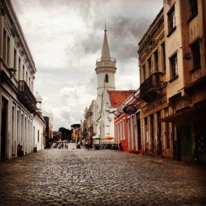O Largo da Ordem é o coração do centro histórico de Curitiba