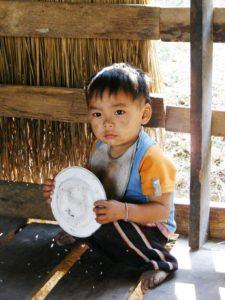 crianca-tailandesa