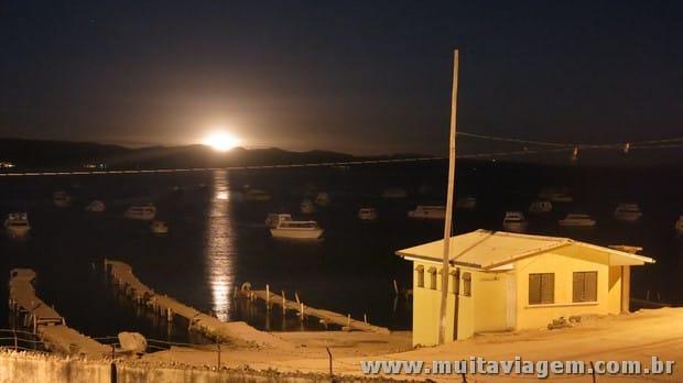 A Canon G15 oferece controles manuais que permitem tirar fotos como essa à noite