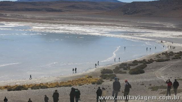Em julho, havia lagoas congeladas sobre as quais dava para caminhar