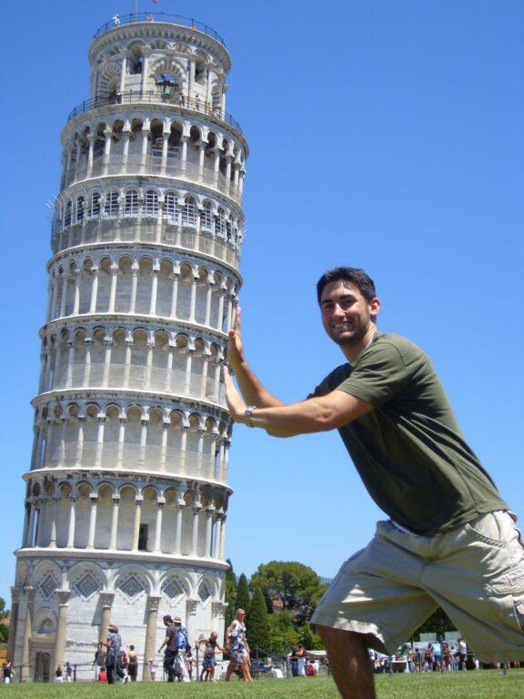 Balança, mas não cai: uma das mais famosas fotos de viagem