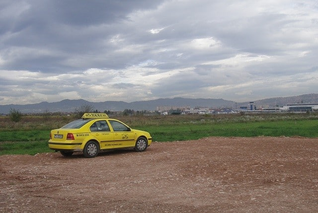 yellow táxi sarajevo