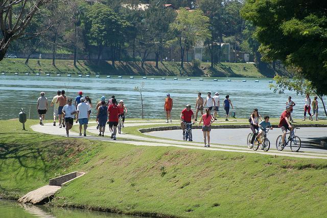 A Lagoa da Pampulha, cartão postal de BH, é o cenário da Volta da Pampulha de 18 km