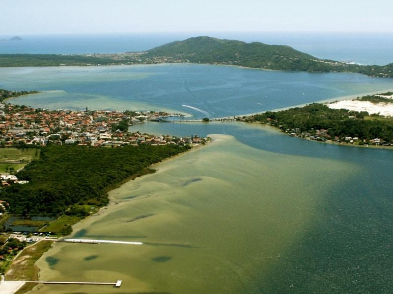 A Lagoa da Conceição é um ótimo lugar para fazer atividades ao livre em Floripa - Divulgação