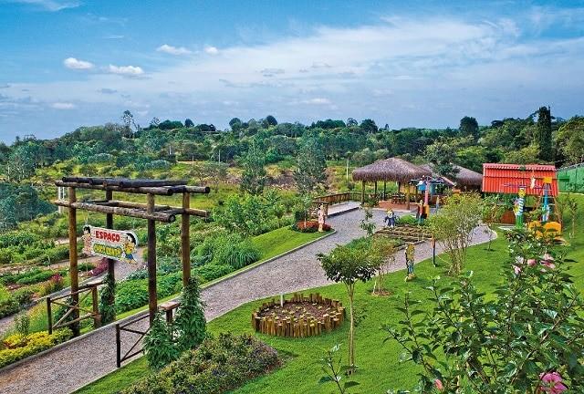 Resort 60 km sp crianças