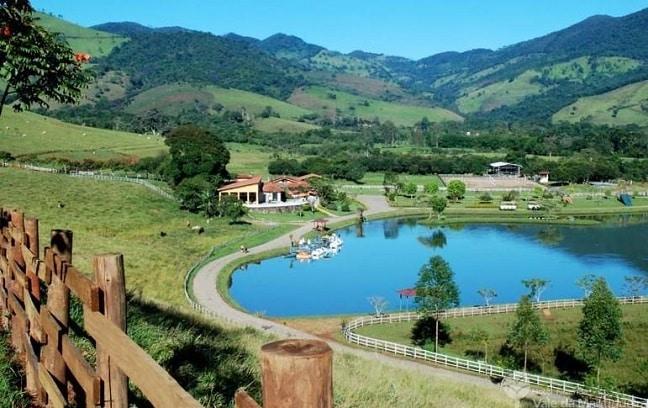 O hotel fazenda fica próximo de Pouso Alto