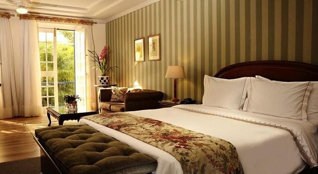 O premiado hotel fazenda tem quartos de luxo para o seu conforto