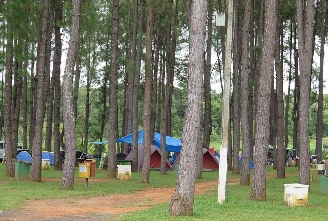 Área de camping no Lagoa Quente Termas Parque.