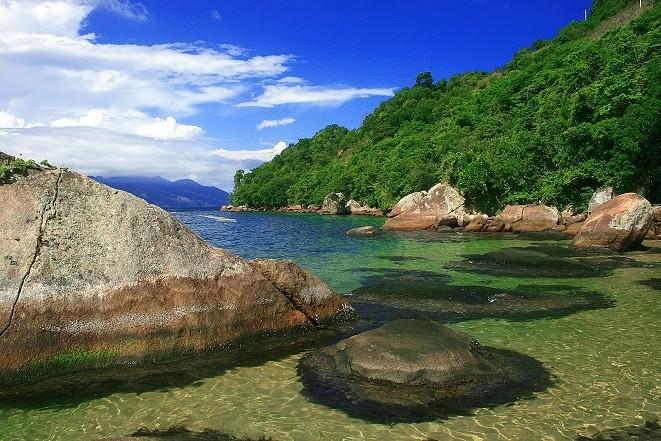 Angra dos Reis é uma das regiões mais bonitas do RJ.