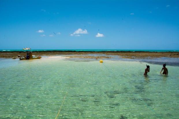 Ao lado de Maragogi, as piscinas naturais de Japaratinga são mais vazias