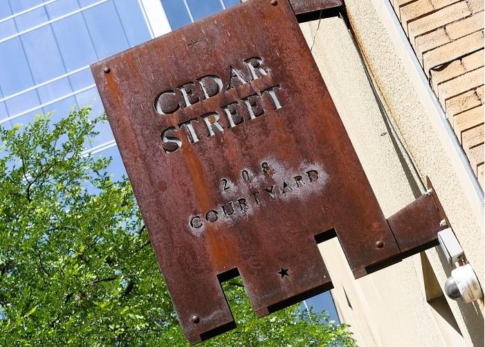 O Cedar Street é um dos melhores bares em Austin.
