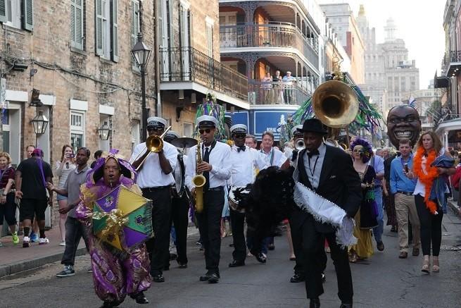 O carnaval de New Orleans tem a levada do Jazz