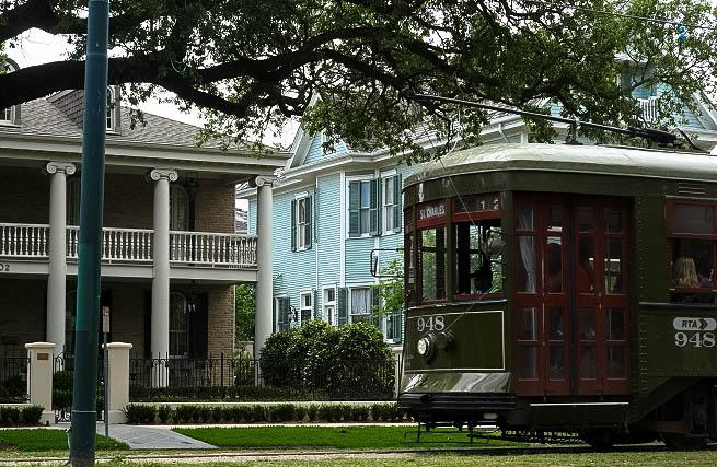 Embarque no Street Car para admirar a arquitetura de New Orleans