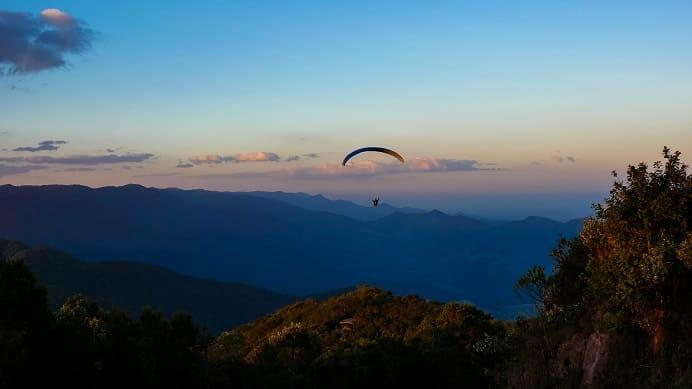 Salto de Parapente do Pico do Agudo, em Santo Antônio do Pinhal
