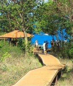 Passarela que dá acesso ao Mirante da Baía do Sancho