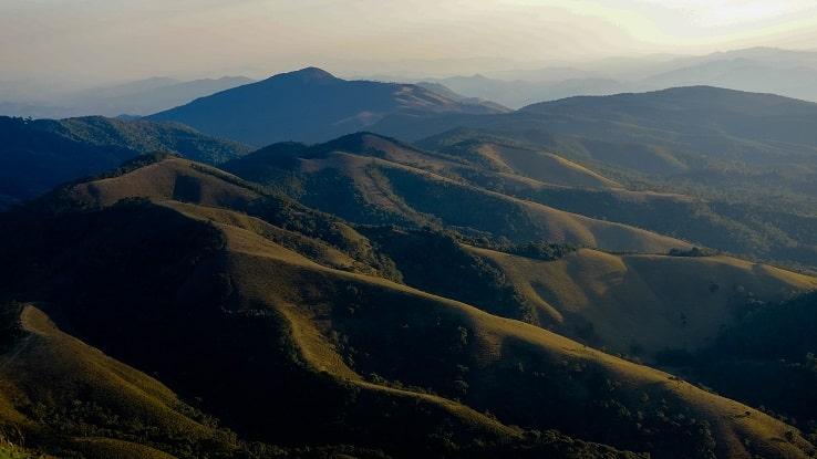 As montanhas da região da Serra da Mantiqueira, em SP