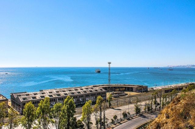 Valparaíso é um dos principais portos do Chile