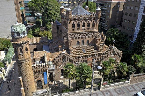 Em torno de Madrid, existem muitos passeios bate e volta em lugares históricos