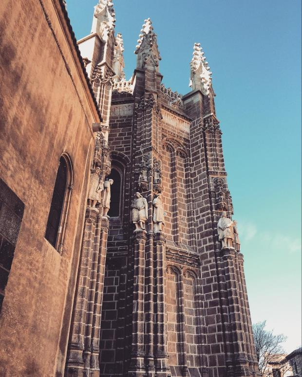 A cidade histórica de Toledo, perto de Madrid, é fácil de chegar de trem