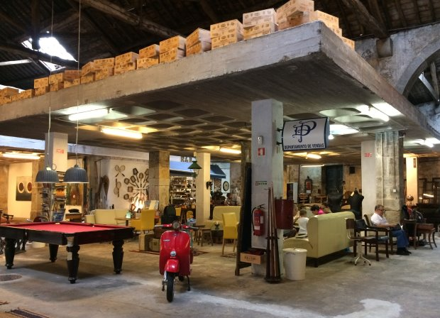O Armazém, com antiquários, bar e mostras -foto: Marcos G. Ferraz