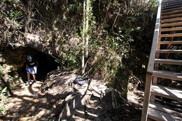 Gruta da cachoeira de Sobradinho localizada em São Tomé-MG