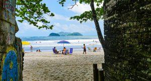 Barra do Sahy, uma das melhores praias para viajar com crianças no litoral de SP