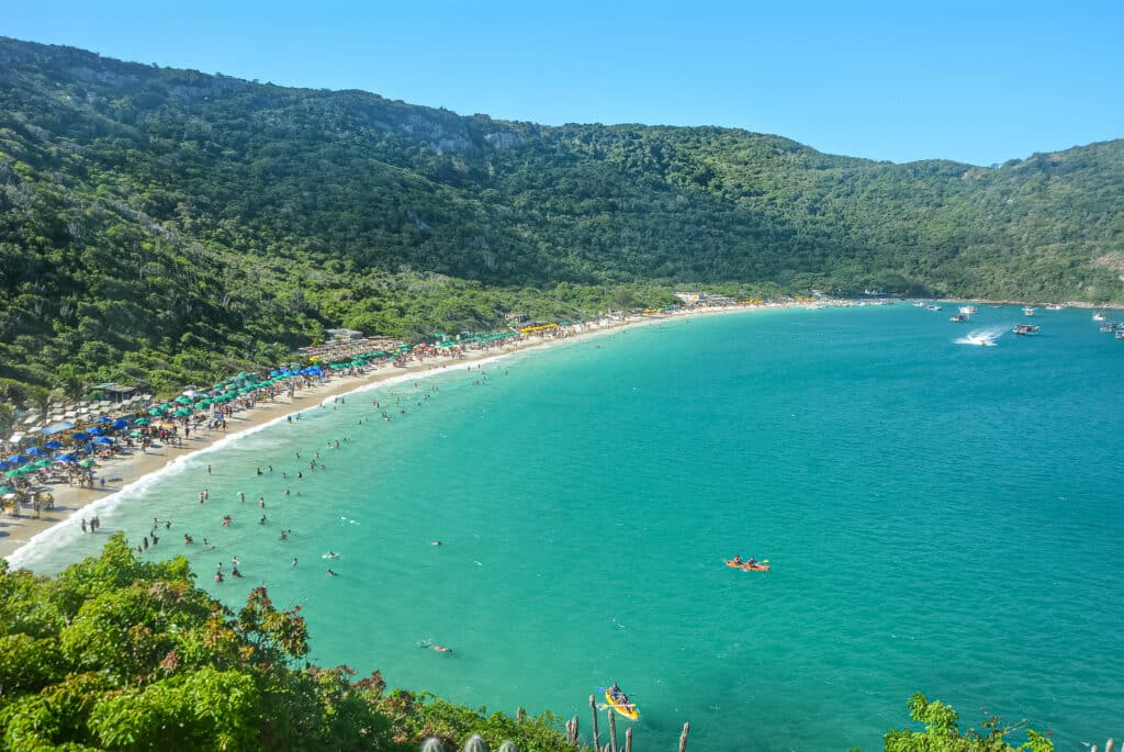 Perto da Praia do Forno tem bons hotéis e pousadas em Arraial do Cabo