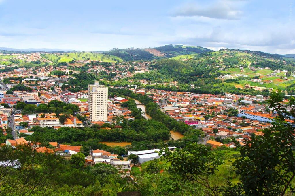 Cidade para conhecer perto de Campinas, Pedreira é bom lugar para compras no interior paulista