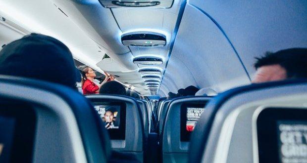 Speech do comissário de bordo: instruções e procedimentos - Muita Viagem